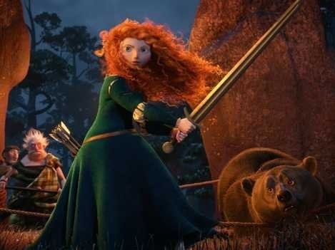 Merida fighting her father to defend reyna Elinor.