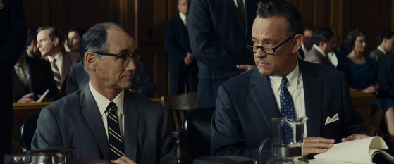 Tom Hanks and Mark Rylance in the courtroom