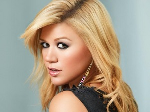 গথ দেশীয় Kelly Clarkson