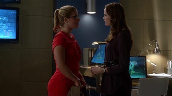 "Caitlin and Felicity chat before saying goodbye in season 1, episode 8, ""Flash vs Arrow."""