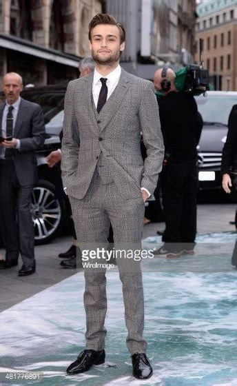 Douglas Booth london Noah premiere