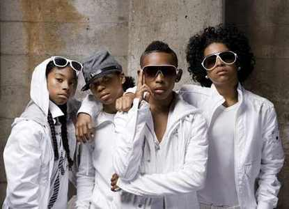 Mindlessbehavoir is my life forever they sing songs that make anda feel like they were made for anda