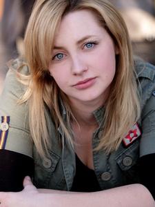 Simone Claire