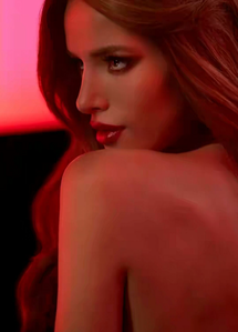 I know I post her before on here but the hell with it, I'm doing Bella Thorne again because she looks