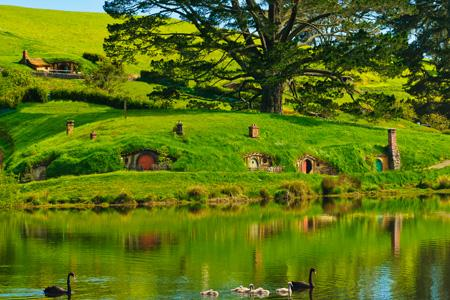 Bag-End, Hobbiton, Shire! <333 So beautiful a scenery!  I say cover, you think?