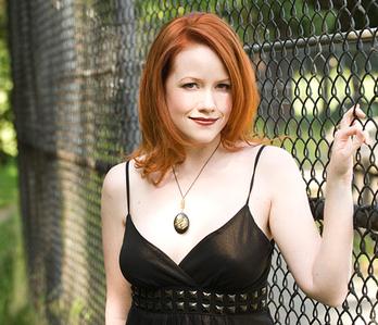 दिन Twenty-Eight: प्रिय female writer (television, books, movies, etc.) Richelle Mead