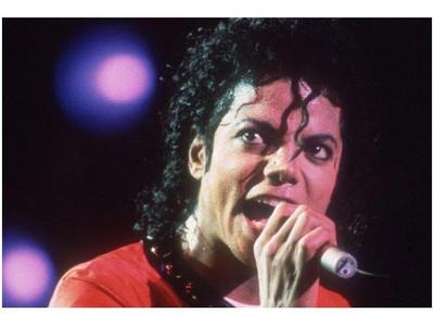 if MJFamily loves me,save me cause Michael is going to kill me!!