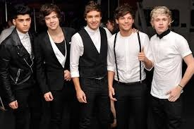 One Direction!!!!!!!!!!!!! WHY WOULD tu ASK THAT? It is sooooooo obvious!