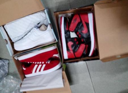 Nike Air Jordan 1 Men's Shoes $36.31,so cheap,i bought in store;inshopss.co,it's a gift for my boyfri