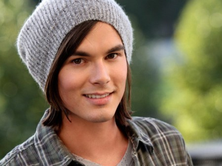 dia Five: favorito male character on a female-driven show Caleb Rivers - Pretty Little Liars