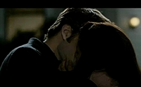 Kissing from new moon
