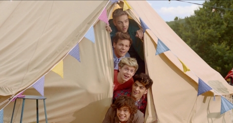live while we're young- One direction :)