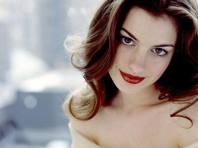 Gunther ? Anne Hathaway :