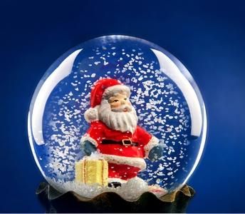 Snow globe Santa <3