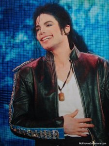 I 사랑 the Bad era, HIStory era... all eras, actually! Here's an adorable MJ smile, from HIStory tou