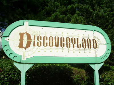 DAY 28 - Your favorite theme park.   At the moment it's Discoveryland or Adventureland in DL Paris.