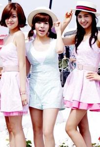 Kiss, Hug ,Smile ? Tiffany, Sunny,Yuri? Mine: किस Sunny- because of her lovely lips;) Hug Yu