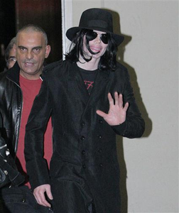 Michael on a shopping excursion with Christian Audigier