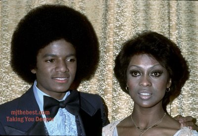 Michael and Lola Fala Backstage at the 1977 American Musica Awards