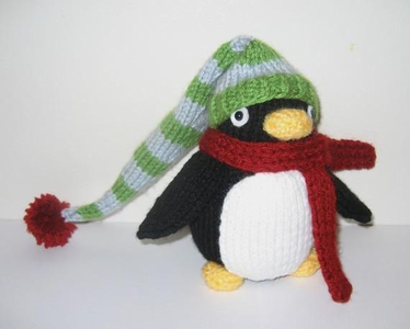 ((For Mr. Tetsuya)) A pinguim doll. I finally get my own. -smiles-