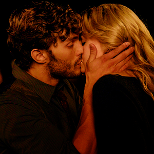 Once Upon A Time: Emma Swan & Sheriff Graham Humbert