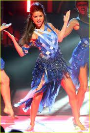 Post a pic of Selena at the Radio disney musik Awards Winner announced May 18 Ends May 16