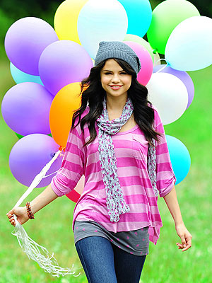 Is this ok? I demand a picture of Selena wearing a scarf.