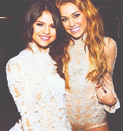 comparing and contrating selena gomez and miley cyrus essay