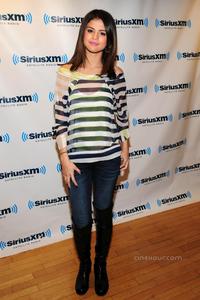 I want a pic of Selena in High Heels