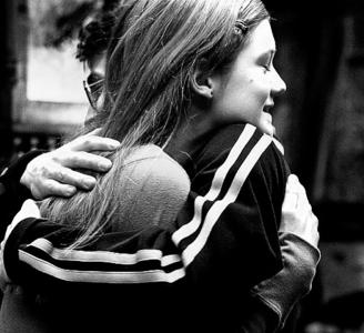 Round 1: Hug