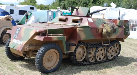 Tank would drive a 1942 Sdkfz 250. What would Opalescence have?