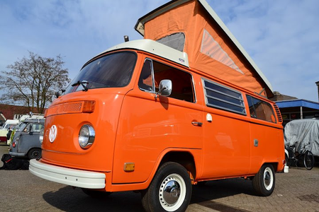 Carrot 상단, 맨 위로 would drive a 1975 VW Transporter. What would Colgate have?