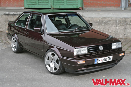 Cheerilee would drive a 1990 VW Jetta II Coupe. What would Daring Do have?