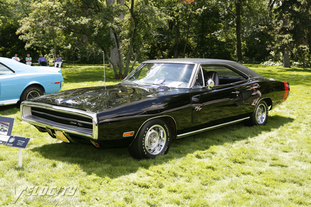 あなた would drive this 1970 Dodge Charger. What would Dragonaura15 have?