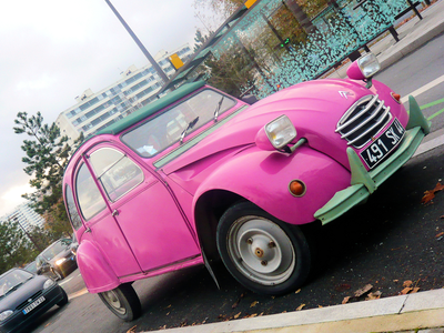 Princess Twilight would drive a 1967 Citroen 2CV. What would Pinkie Pie have?