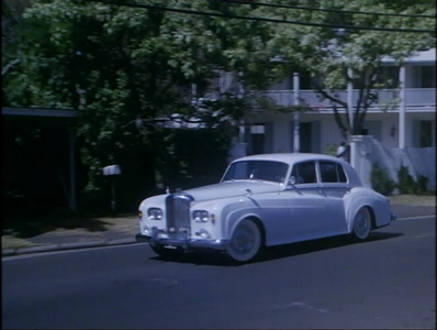 Filthy Rich would drive a 1962 Bentley S3. What would Fancy Pants have?
