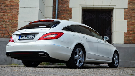 Fancy Pants would drive a 2014 Mercedes CLS Shooting Brake. What would Fleur De Lis have?
