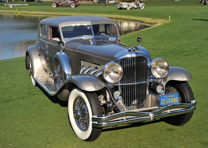Octavia would have a 1933 Duesenberg SJ. What would Vinyl Scratch have?