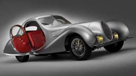Snowflake would drive a 1938 Talbot Lago T150. What would Celestia have? (I'm all out of OC's!) xD