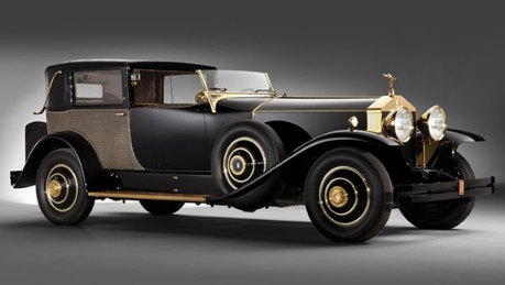 Luna would have a 1929 Rolls Royce Phantom Springfield I. what would Cadence have?