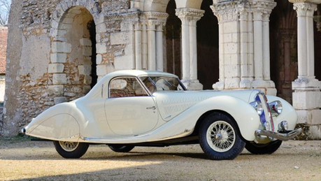 Octavia would drive a 1938 Delahaye 1935 MS Coupe. What would Lightning Dust have?