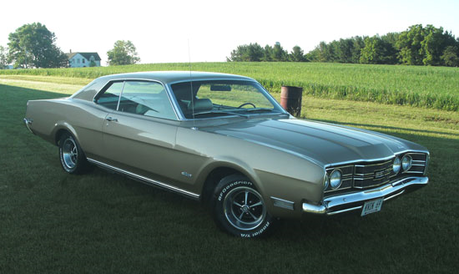 King Sombra would drive a 1969 Mercury Montego. What would 퀸 Chrysalis have?