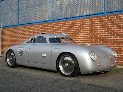 Fleetfoot would drive a 1955 Porsche 356 Silver Bullet. What would 彩虹 Dash have?
