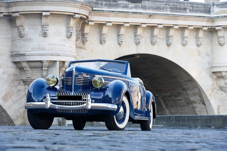 Luna would drive a 1939 Chrysler Imperial C 23 Roadster, What would Nightmare Rarity have?