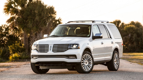 Roseluck would have a 2015 lincoln Navigator. What would Vinyl Scratch have?