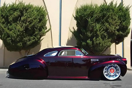 awan Kicker would drive a 1940 LaSalle Series 52 Custom Coupe. What would Carrot puncak, atas have?