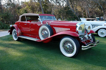Octavia would drive a 1931 Duesenberg torpedo Phaeton. What would Fiddlesticks have?