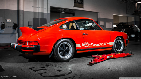 Lyra would drive a 1973 Porsche Carrera RS. What would awan Chaser have?