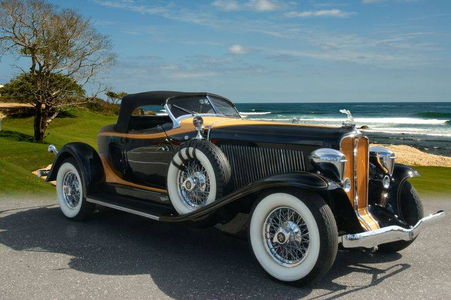 Octavia would drive a 1932 Auburn Boattail Speedster. What would Dr. Whooves have?