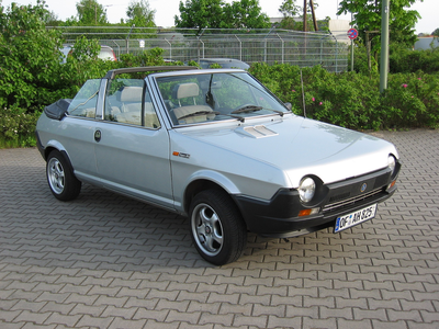 Derpy would drive a 1980 Fiat Ritmo Cabriolet. What would Dinky have?